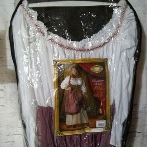 2X Halloween costume Renaissance woman